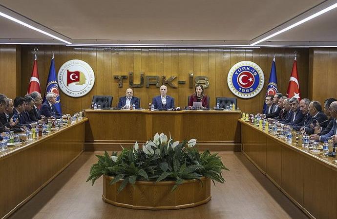Türk-İş, Hak-İş ve DİSK: Bu vergi düzeni adil değil