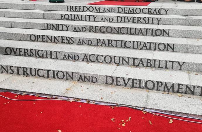 Demokrasi Derken