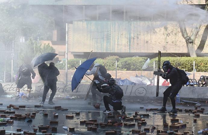 Hong Kong krizi çok boyutlu