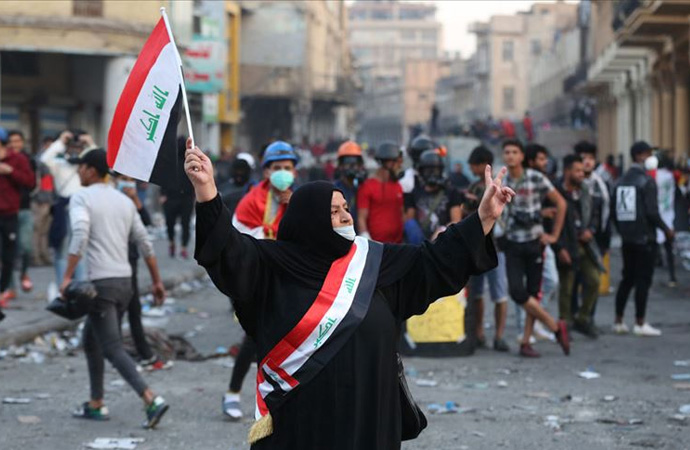 Protestocular İran'ı neden hedef alıyor?