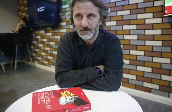 'Aytmatov'un romanı Rusça'ya, İslami motifler çıkarılarak çevrildi'