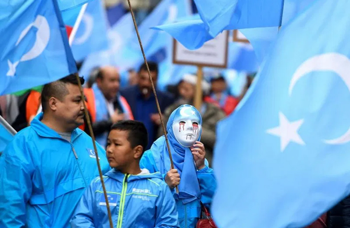 """ABD, Çin'i Uygurlara karşı """"insanlık suçu"""" işlemekle suçladı"""