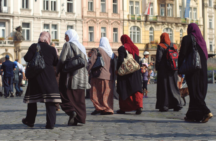 Post Truth Dünyada Müslüman Kalmak