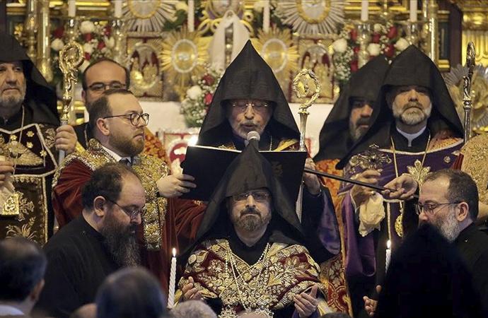 Türkiye Ermenileri Patriği yemin töreni ile tahta çıktı