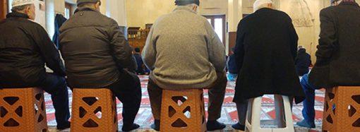 Sandalyeler Kaldırılınca Câmiler Aslına Dönmüş Oldu mu?