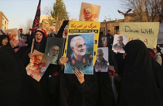 """İran Dışişleri Bakanının """"ABD ile müzakere"""" sözlerine protesto"""