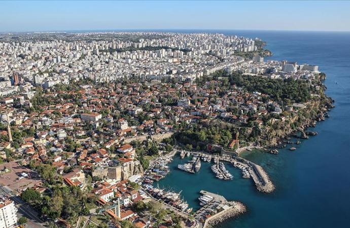 Antalya'da yaşayan yabancı sayısı 100 bine yaklaşıyor
