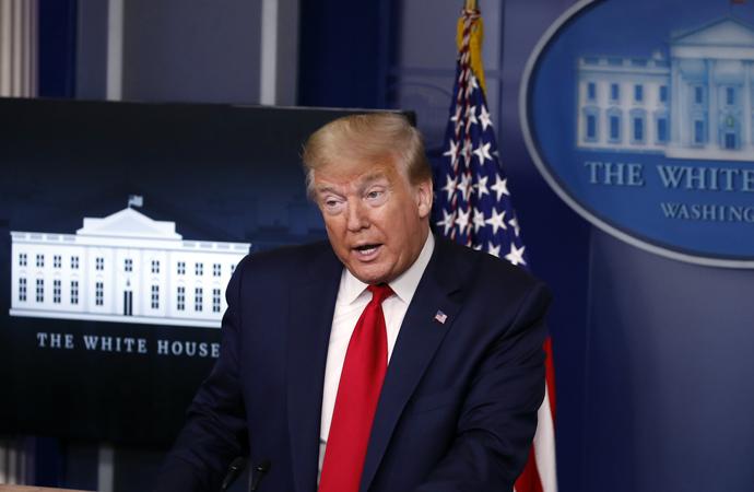Trump'tan valilere: 'İbadethaneleri açın yoksa yetkimi kullanırım'