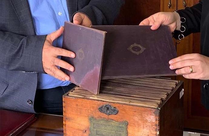 'O dönemde insanlar mallarından vazgeçmişler ama kitaplarına sahip çıkmışlar!'