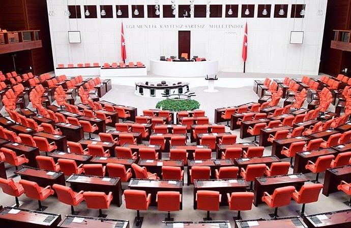 Meclis'te demokrasi nöbeti tutulacak, Kur'an okunacak