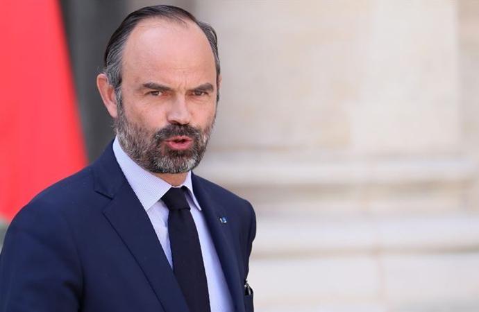 Dün istifa eden Fransa Başbakanı hakkında soruşturma