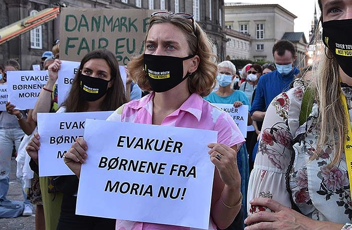 Moria kampındaki çocuklar için Danimarka'da gösteri