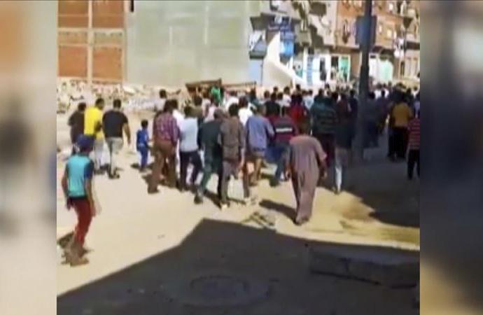 Mısır'da gösteriler bugün de devam etti