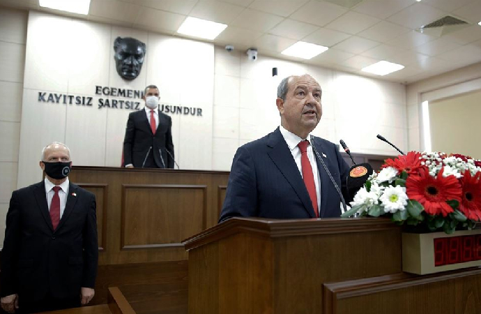 Ersin Tatar'ın mecliste yemin töreni gerçekleştirildi