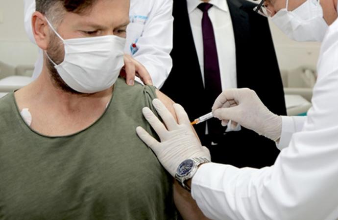 Prof. Coşkun Usta: 'Aşı, vaka sayılarını tersine çevirecek'