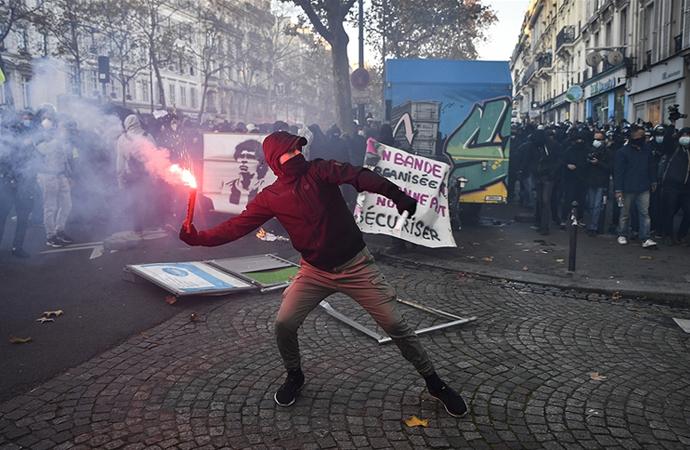 Fransa'da tepkiler üzerine 24. madde yeniden yazılacak