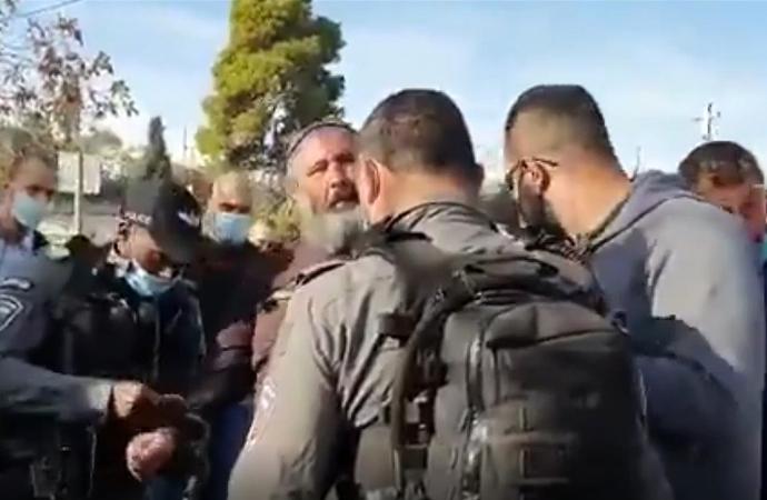 Azap Kilisesi'ni yakmaya çalışan Yahudi'yi Müslümanlar engelledi