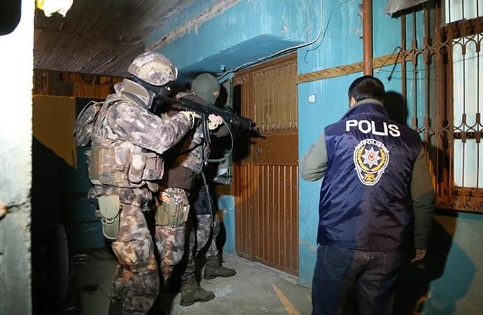İstanbul merkezli 33 ilde Fetö operasyonu