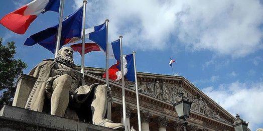 Fransa Cezayir'de nükleer ve kimyasal denemeler yaptı iddiası