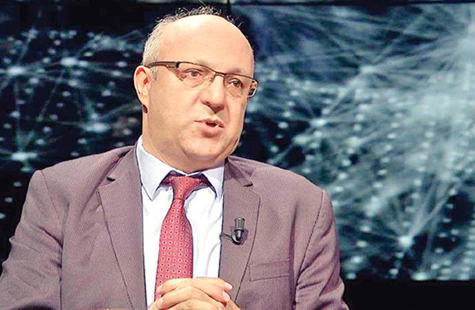 'Diyanet sorununun asıl tanımı, Türk halkının manevî liderliğini/patronluğunu ele geçirme mücadelesidir.'
