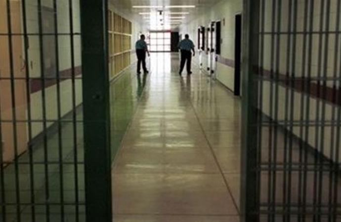 Sınır Tanımayan Gazetecilerin raporuna göre cezaevinde bulunan 122 gazetecinin listesi