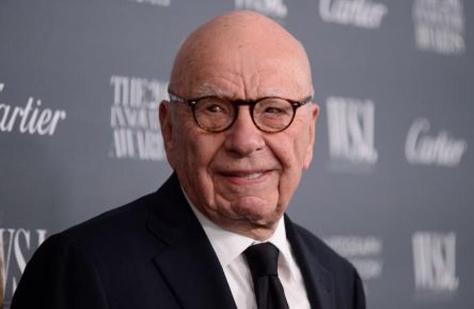 İngiltere'de, medya devi Murdoch'ın satın alma girişimine engel