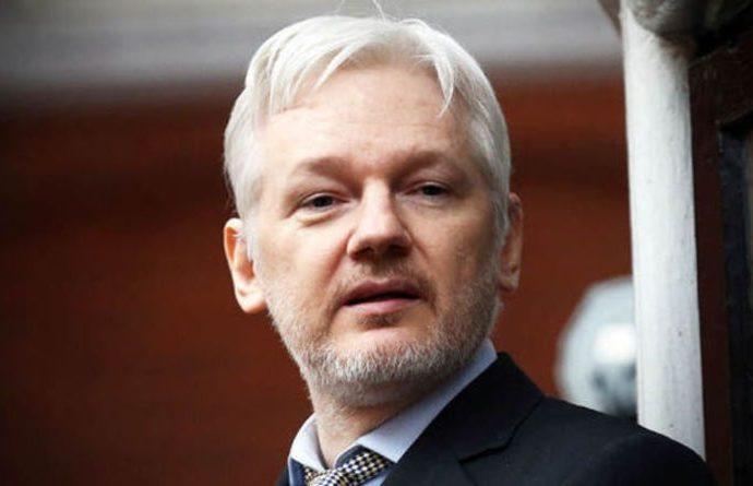 Assange: 'Yalan haber ödülü' Türkiye'deki darbe girişimini destekleyen NBC'ye verilsin
