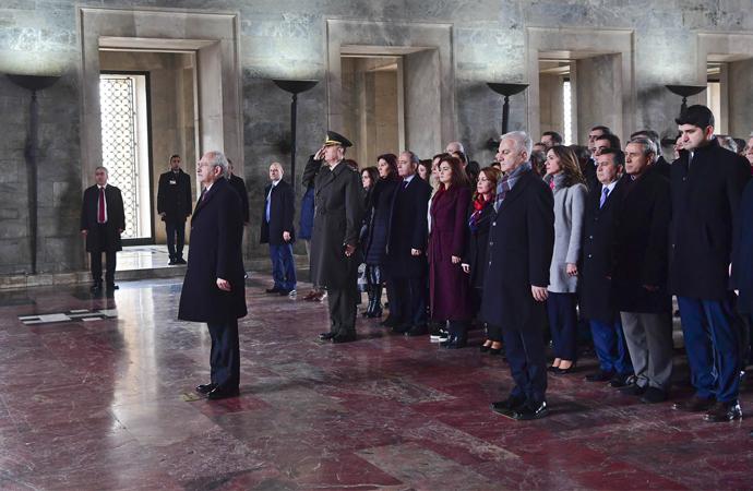 CHP'nin yeni yönetimi Anıtkabir'e gitti