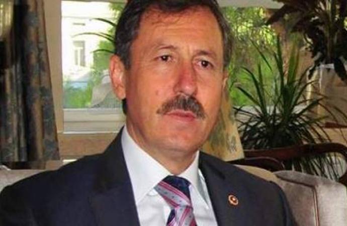 """AKP'li Selçuk Özdağ """"İtaat kültürü""""nü eleştirdi"""