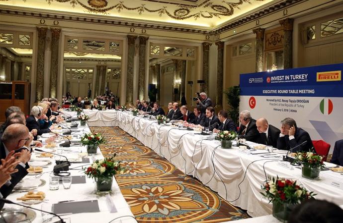 İtalya'nın 19 büyük şirketi ile basına kapalı toplantı