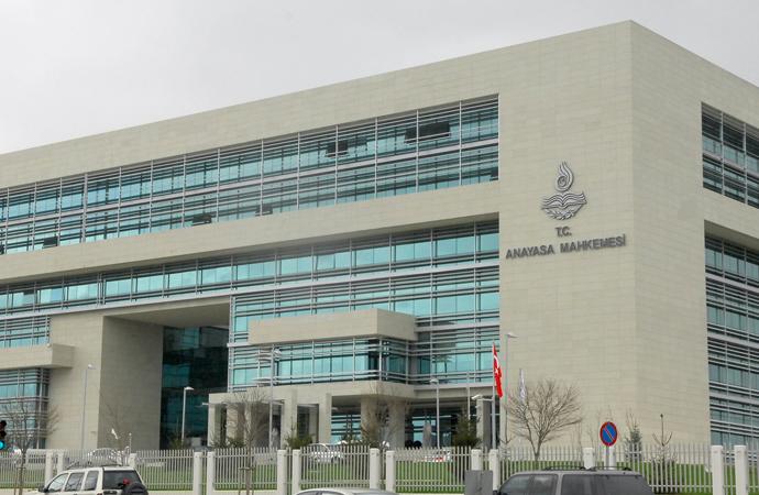 AYM, TİB'in 'müstehcen internet yayınlarına' erişim engelleme yetkisini Anayasa'ya aykırı buldu