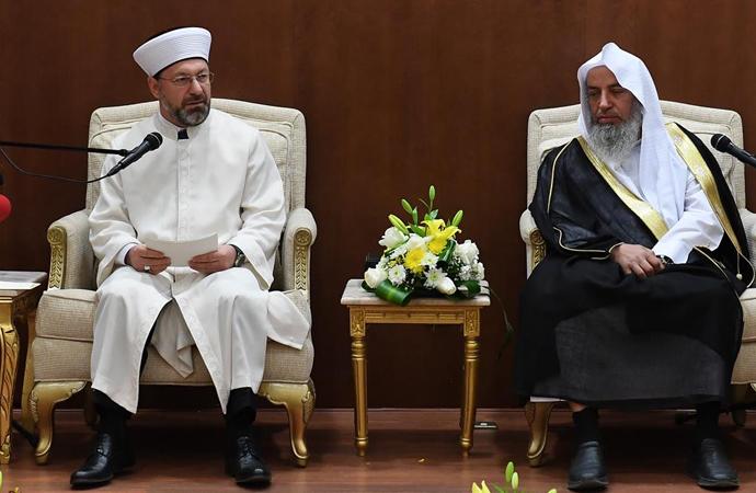 Diyanet İşler Başkanı, Arabistan'da konferans verdi