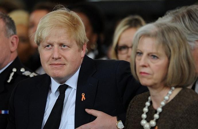 İngiltere olayı köpürtmeye devam ediyor: Hedefte 700 Rus zengin var