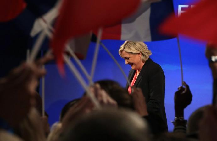 Fransa'da aşırı sağcı Le Pen gözaltına alındı