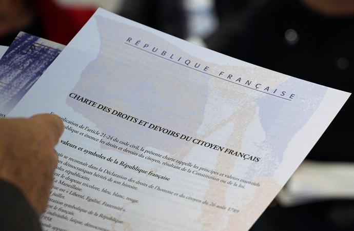 'El sıkışmayı' reddeden Cezayirli müslüman kadın hakkında 'asimile olmamış' kararı!