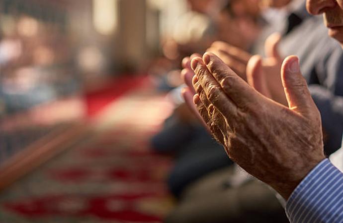 Dünya hayatında Allah'ın tarafında olmak