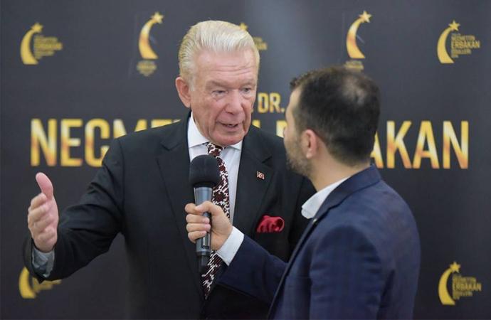 'Necmettin Erbakan 2018' ödül töreninde ilginç isimler