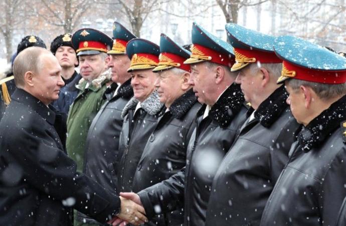 Putin 11 Generali görevden aldı