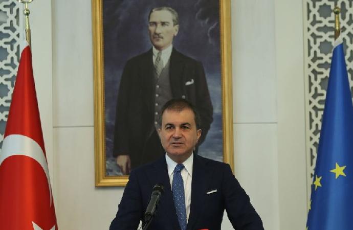 AB Bakanı Fransızlara tepkisini Twitter'dan gösterdi