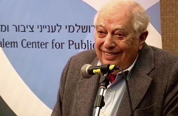 """Kaplan: """"Hem İngiliz hem Yahudi, sinsi tarihçi"""""""