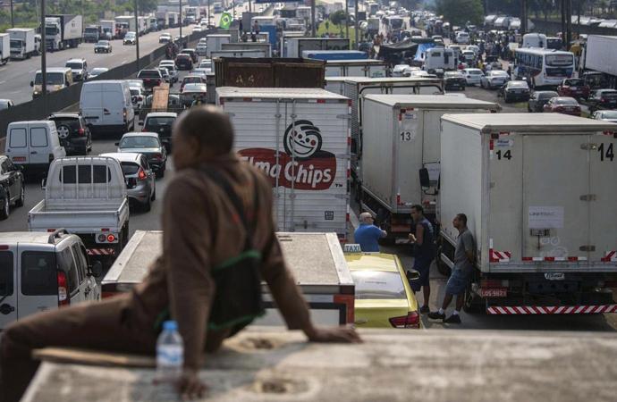 Brezilya'da Kamyoncuların Grevi Ekonomiyi Salladı