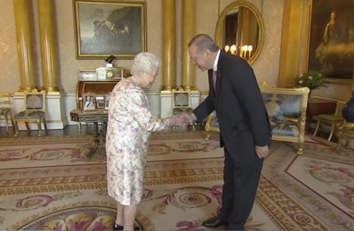 Kraliçe Elizabeth'ten sıcak karşılama
