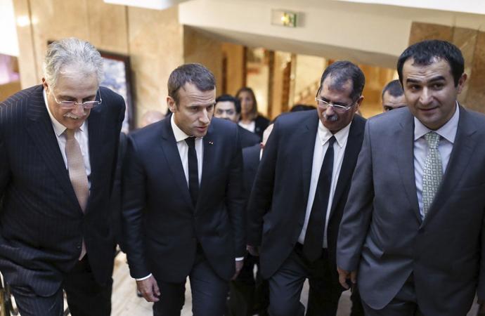 Macron 'Fransız İslamı' Reform Planını Erteledi