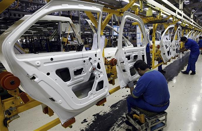 Fransız Renault, ABD'ye rağmen İran'da kalacak