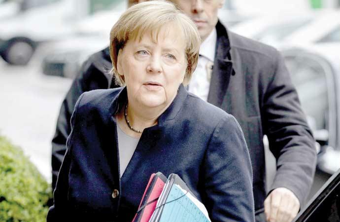 Merkel'den 2 günlük Beyrut ziyareti