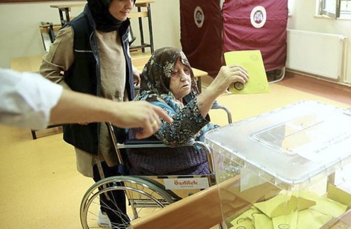 Şebnem Bursalı: 'Bu, gerçek anlamda bir demokrasi devrimidir'