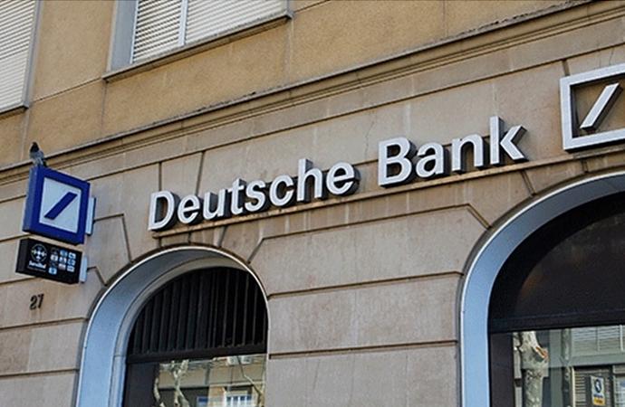 Dev Alman bankası erimeye devam ediyor