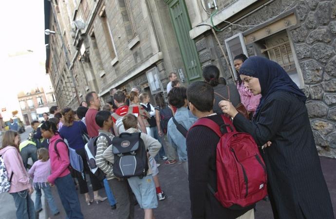 Fransa'da okullara 83 sayfalık Laiklik kitapçığı