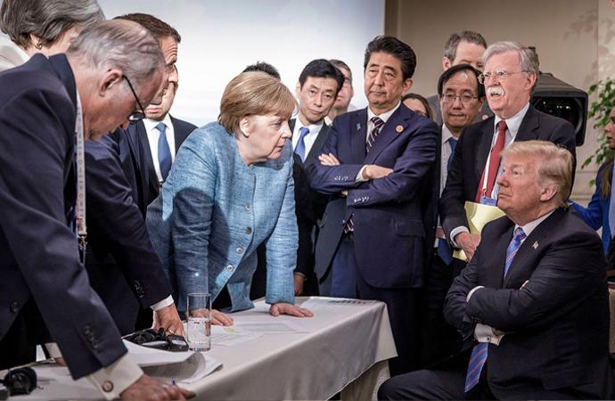 """Merkel'den """"Avrupa dağılabilir"""" uyarısı"""