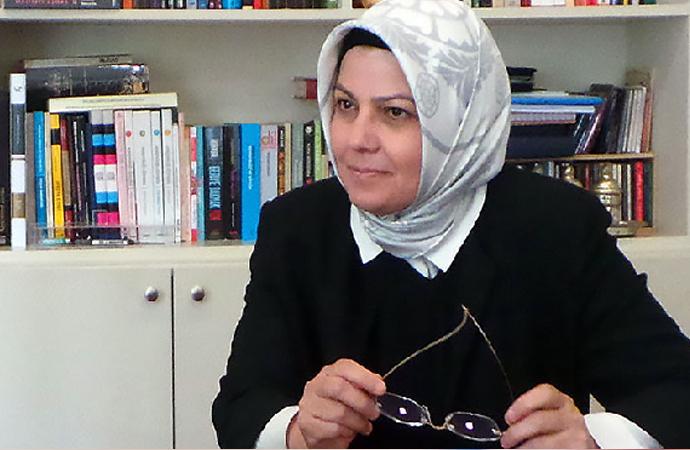 Ayşe Böhürler'den 'Dini bilgi gerekliliği' ve Adnan hoca üzerine